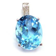 Lot 418: Blue topaz 22.10 carat