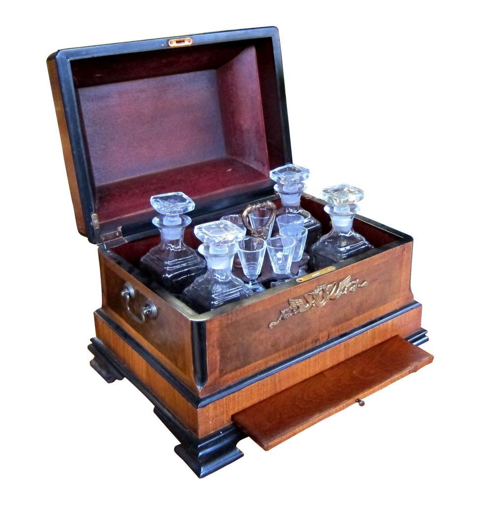 Antique Victorian-style decanter box