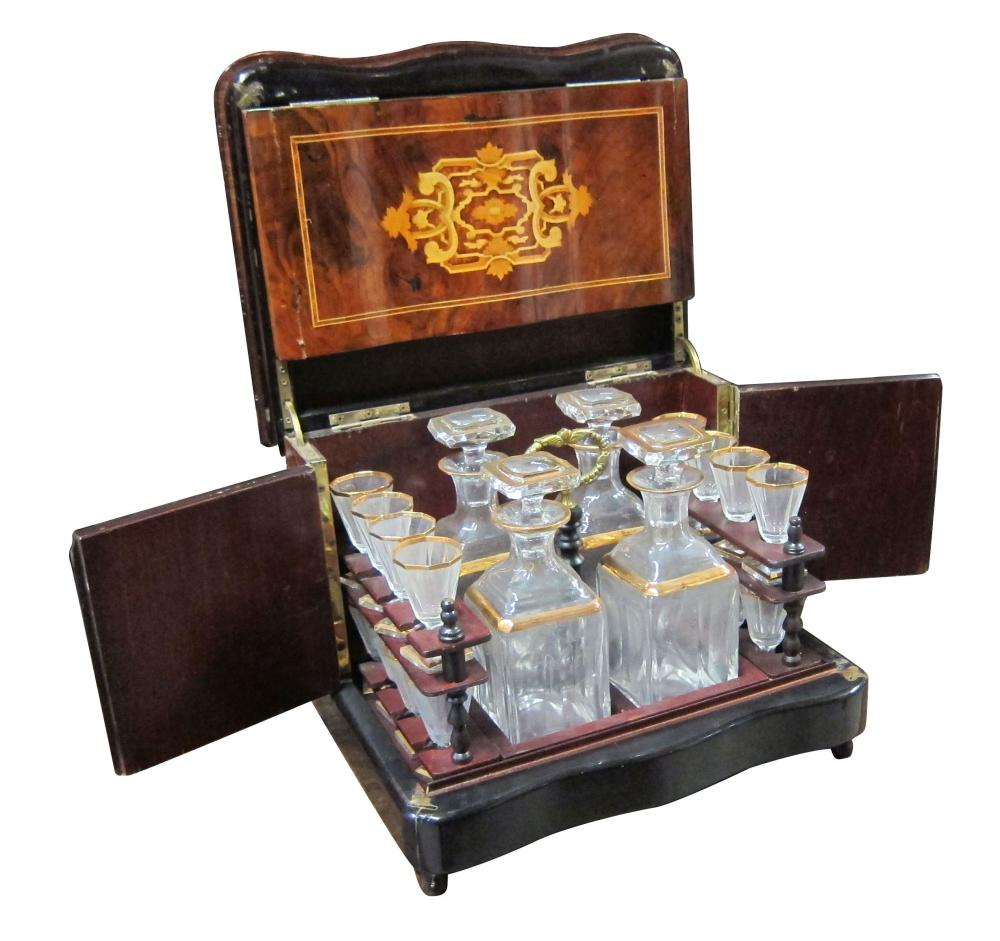 French Victorian-style lift-top decanter box