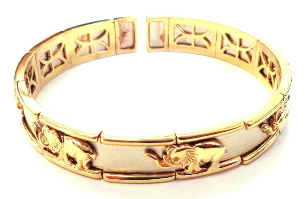 14 kt gold elephant style bracelet