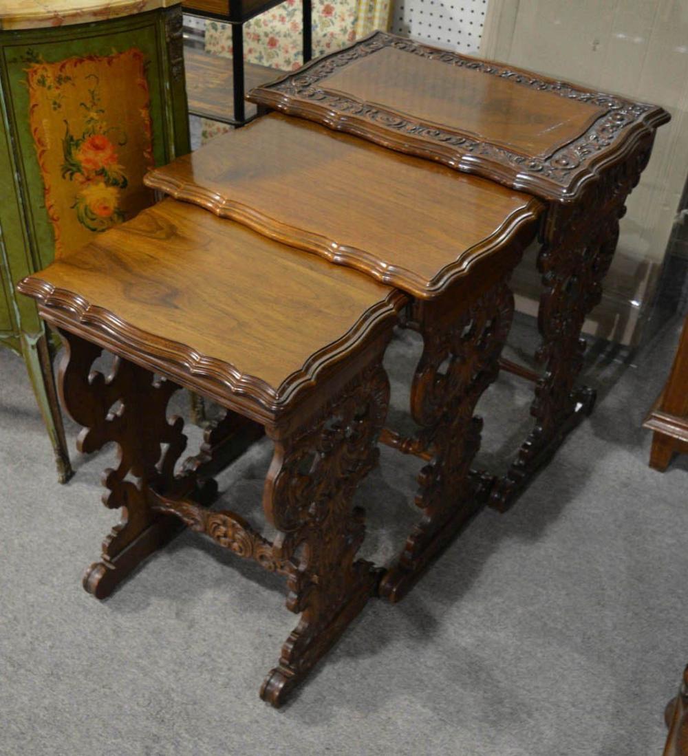 3 Renaissance nesting tables