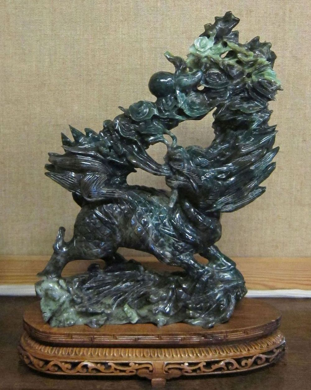 Chinese foo dog sculpture