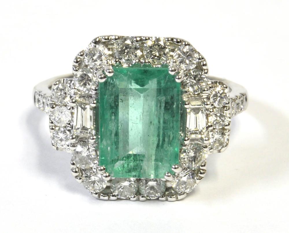 Emerald 3.21 carat