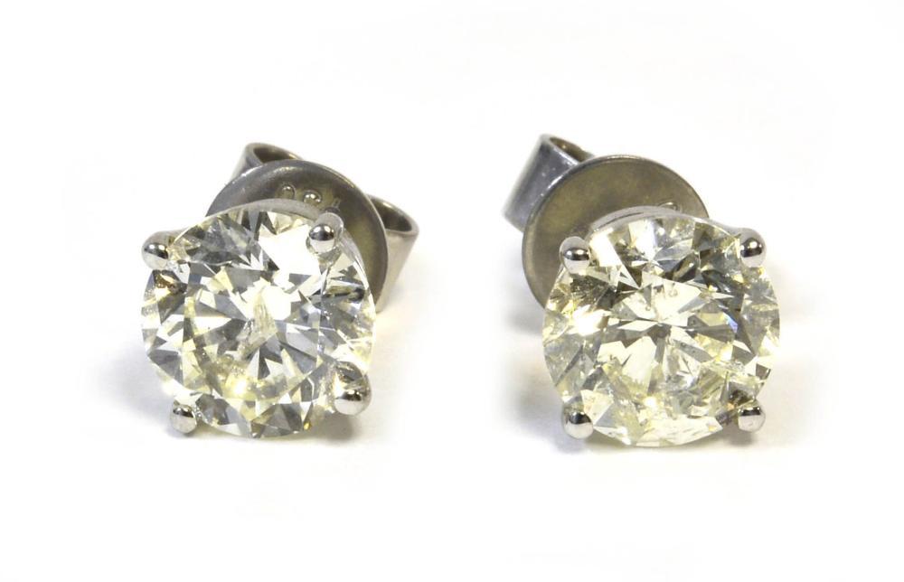 Diamonds 3.03 carats