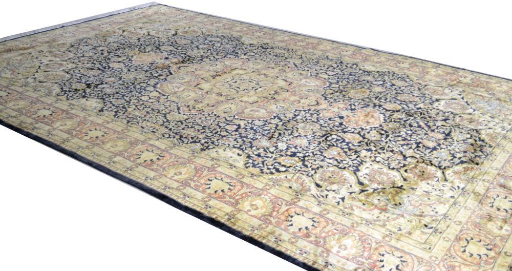 Oriental Tabriz-design rug