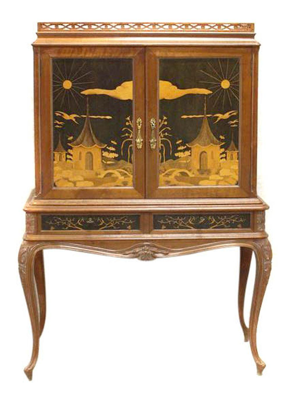 Lot 35: Victorian-style cabinet