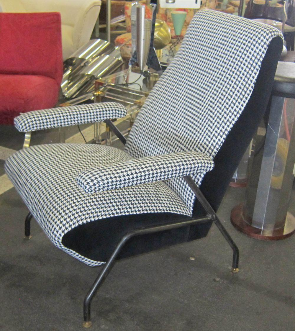 Lot 44: Mid-century design armchair