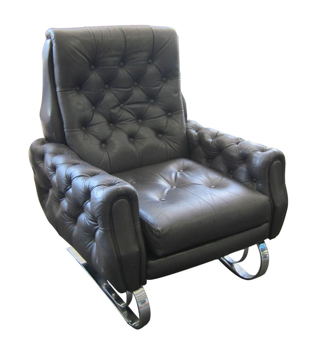 Lot 64: Vintage Italian design leather armchair