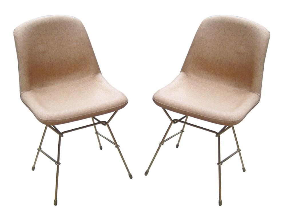 Pair of Mid Century Modern-style chairs