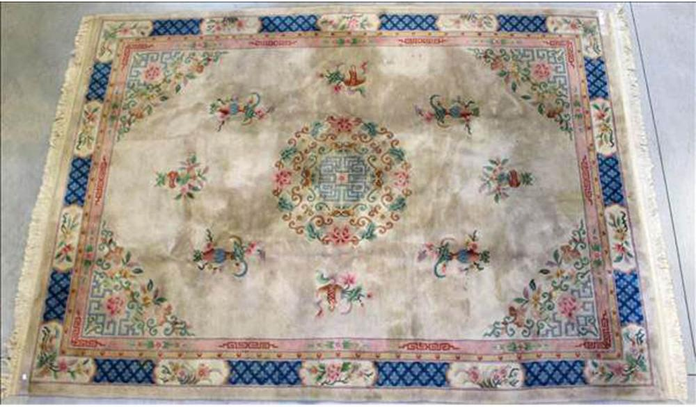 Lot 193: Chinese rug