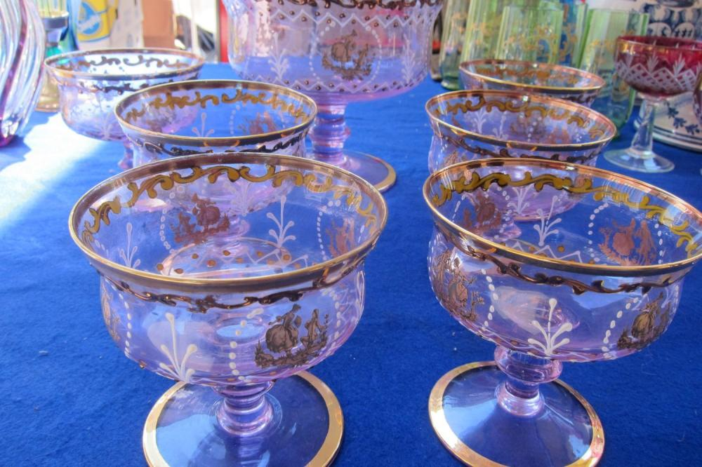 Lot 190: Italian 7-piece glass service