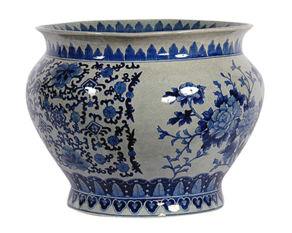 Chinese porcelain jardinière