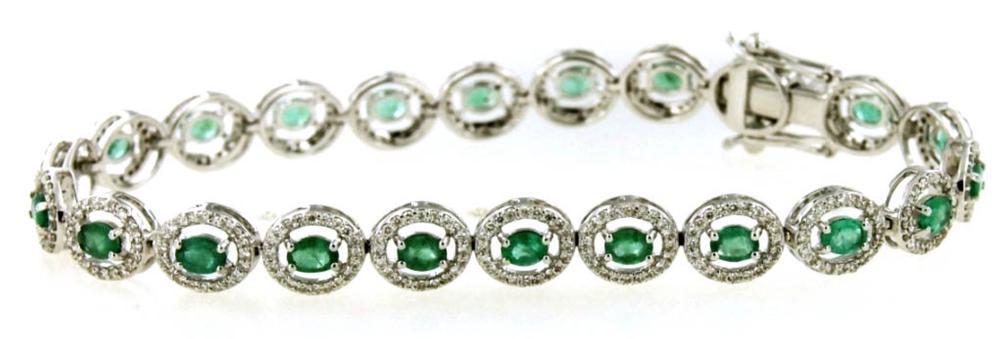 Lot 402: Emeralds 2.55 carats