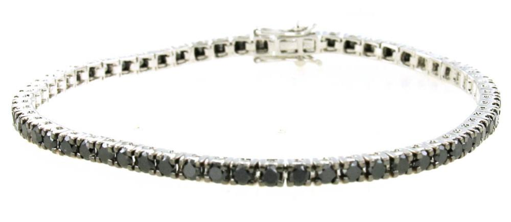 Lot 462: Black diamonds 4.20 carats