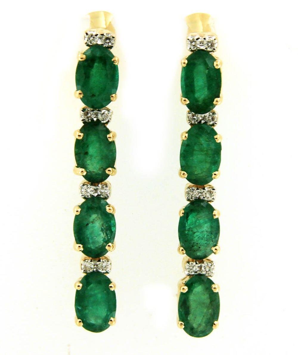 Lot 496: Emeralds 3.45 carats