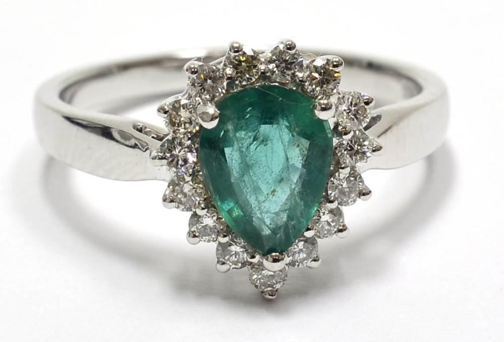 Lot 521: Emerald 0.95 carat