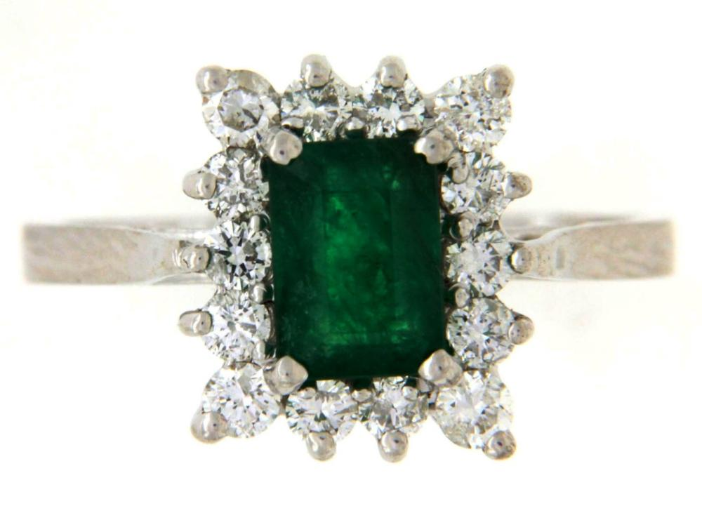 Lot 549: Emerald 1.10 carat