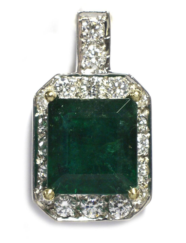 Emerald 2.77 carats