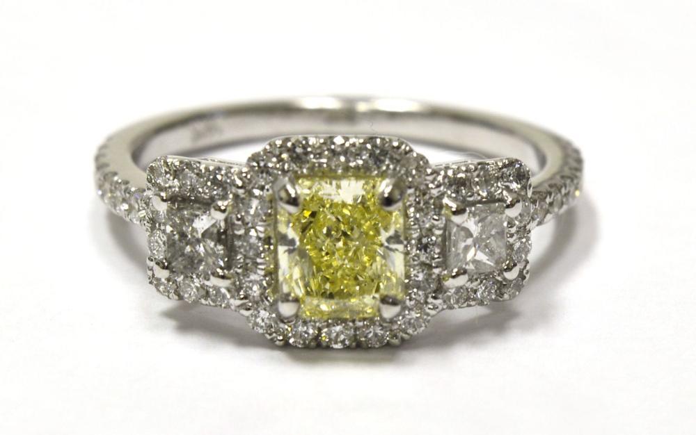 Yellow diamond 0.90 carat