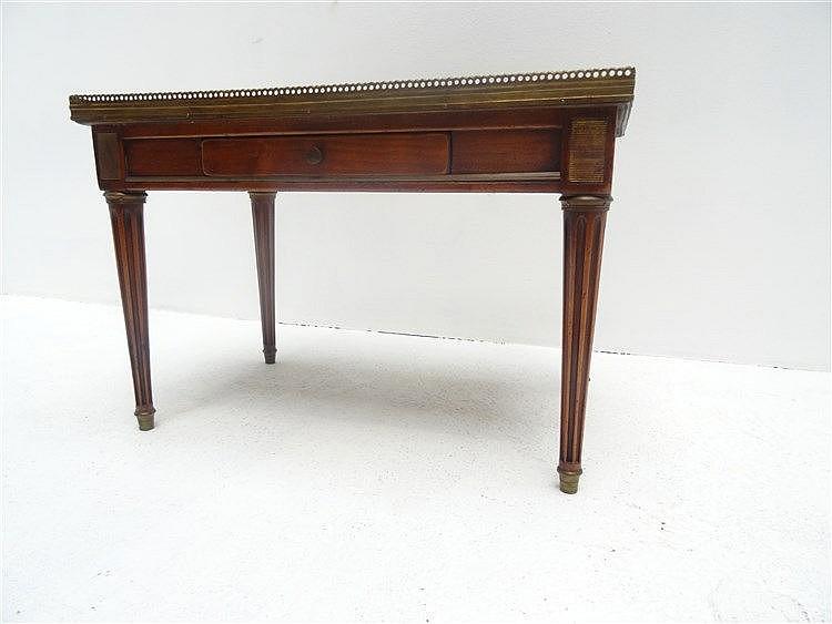 Table basse en bois fruitier ouvrant un tiroir en fa a - Table basse ouvrante ...