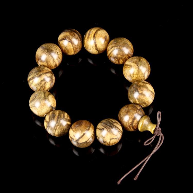 Chinese Cheng Xiang Wood Bracelet