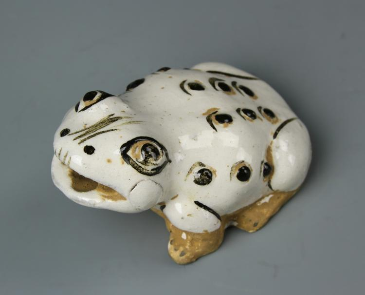 Chinese Porcelain Frog