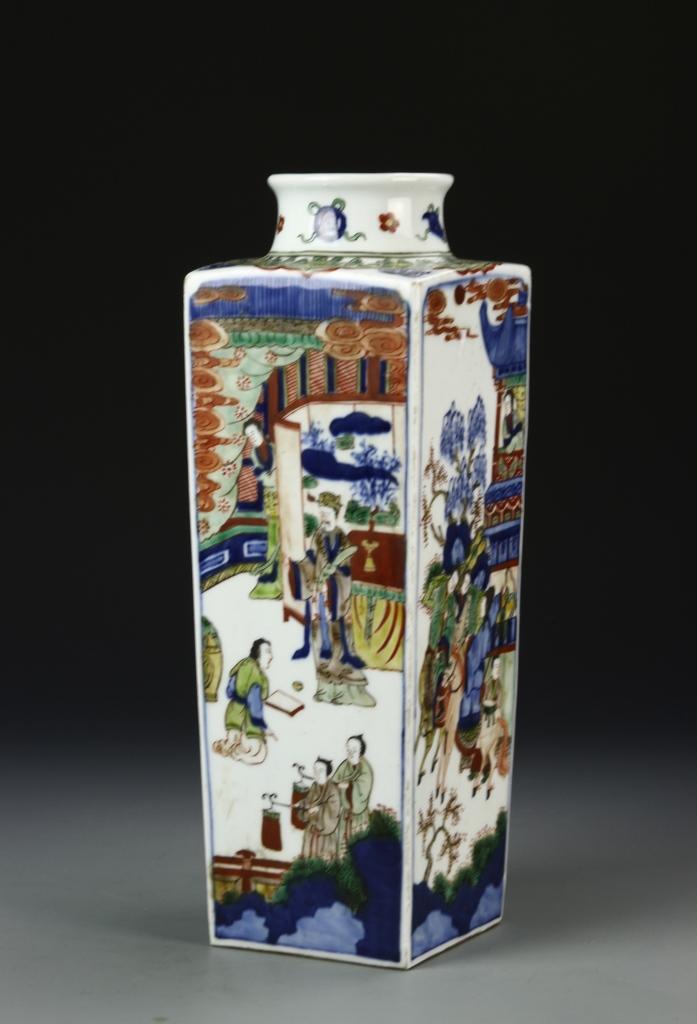 Chinese Wucai Square Vase