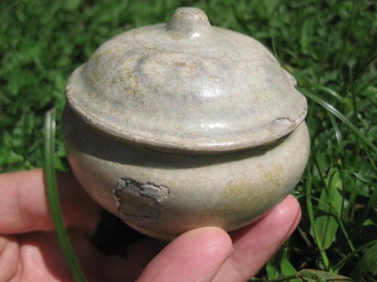 Chinese Yuan dynasty glazed lidded jar, Jingdezhen kiln