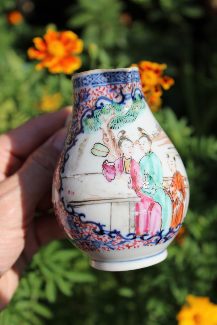 Chinese Mandarin beautiful porcelain tea/milk pot, 1600-1750, Qing Dynasty;