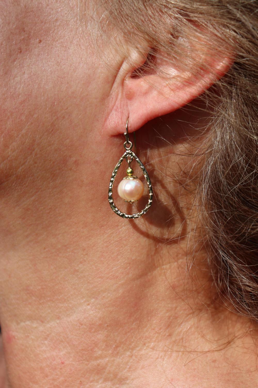 Elegant pearl earring #1