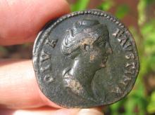 Roman bronze coin sestertius Diva Faustina Senior AD 146-161, thick and heavy 26.45g, 30mm;