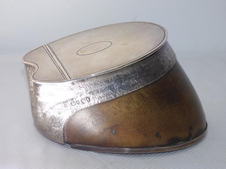 An English Silver-Mounted Hoof Table Snuff Box