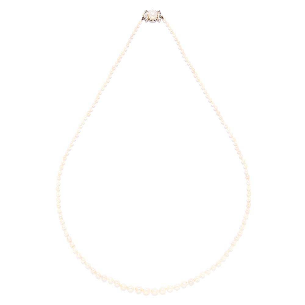 A PEARL AND DIAMOND NECKLACE in yellow gold, comprising of a single row of 127 pearls,with pearl and round cut diamond clasp, unmarked, 66cm, 18.7g.