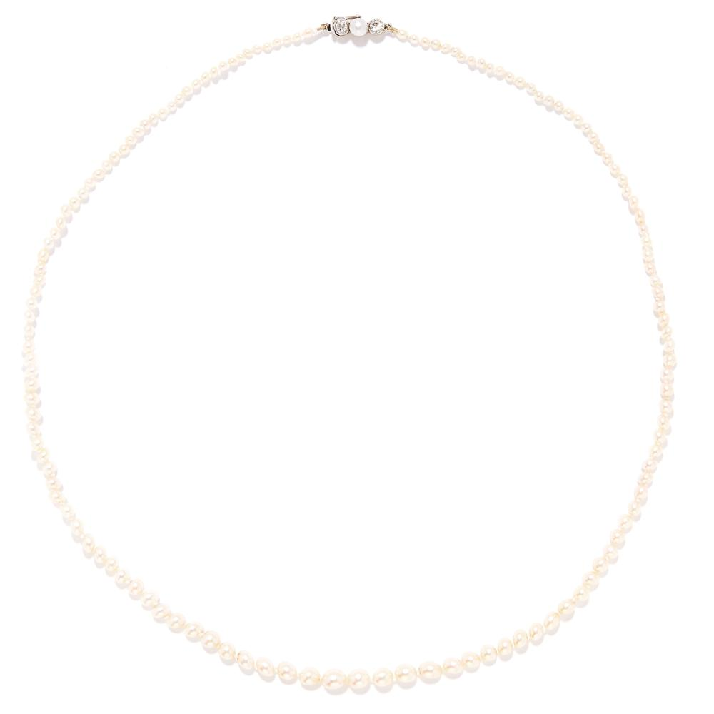 PEARL AND DIAMOND BEAD NECKLACE in yellow gold, set with a single strand of pearls ranging from 2.5mm to 5.6mm, set with round cut diamond and pearl set clasp, unmarked, 48.5cm, 8.10g.