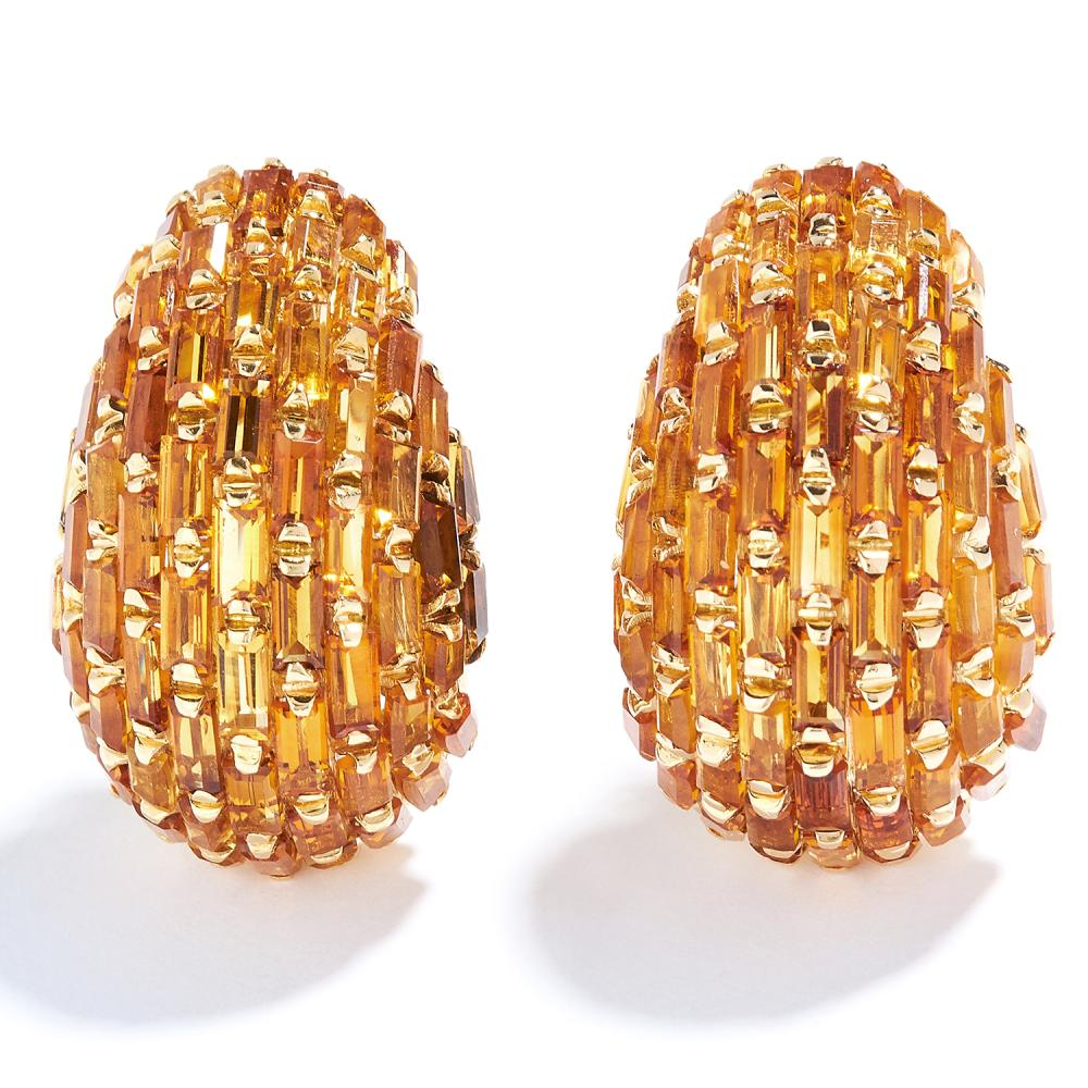 VINTAGE MADEIRA CITRINE CLIP EARRINGS in 18ct yellow gold, set allover with baguette cut citrines, stamped 750, 3cm, 25.2g.