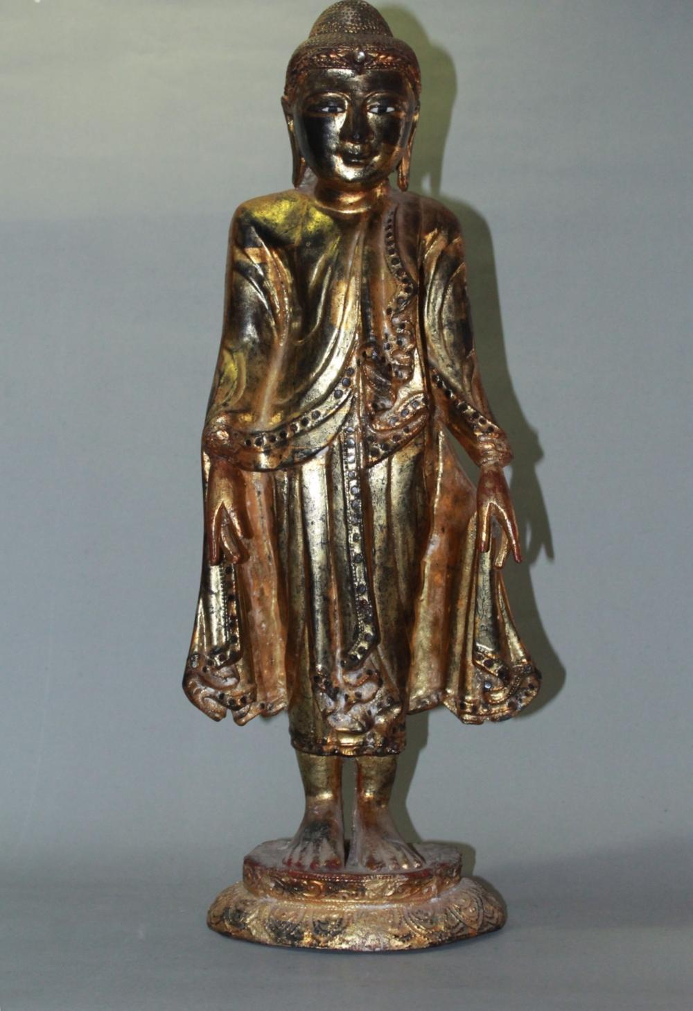 A CARVED LACQUER WOOD BUDDHA.ANTIQUE