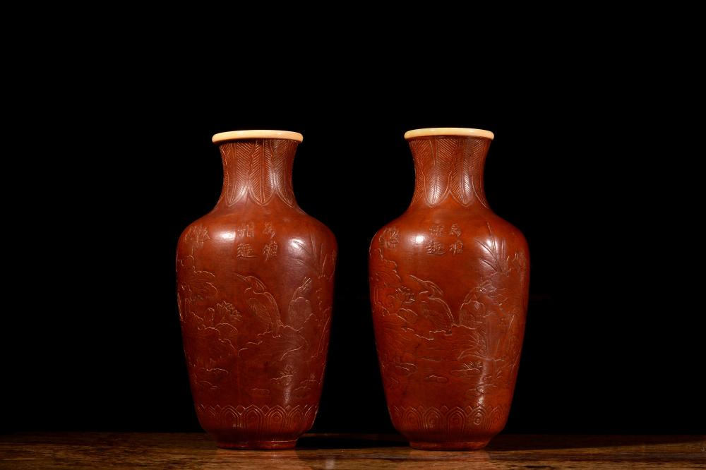 A PAIR OF BOTTLE-GOURD VASES.MARK OF DAOGUANG