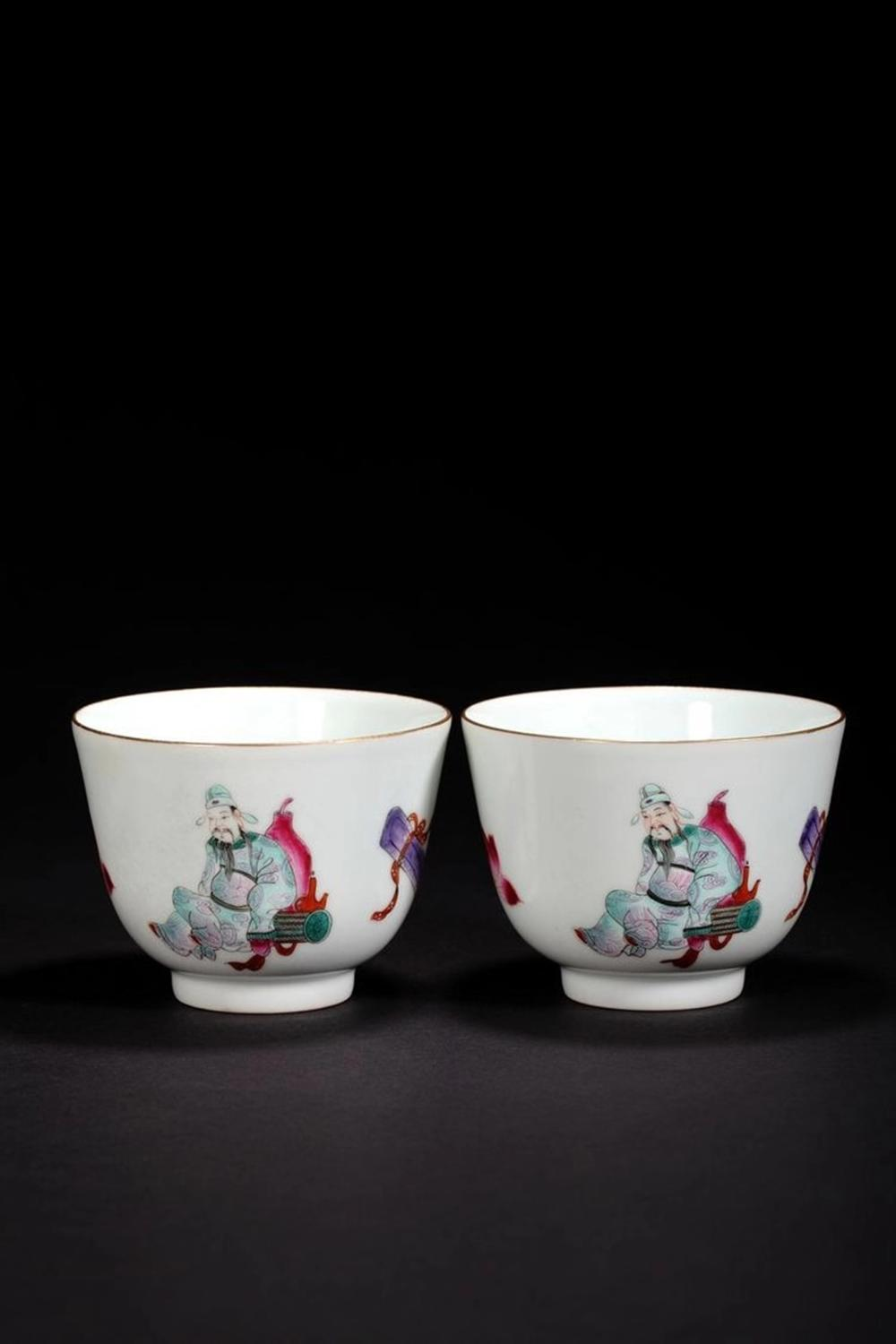 A PAIR OF FAMILLE-ROSE CUPS .MARK OF DAOGUANG