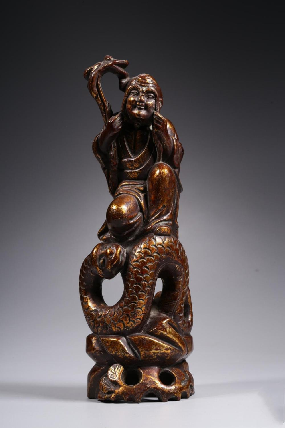A CARVED LACQUER WOOD LUOHAN.ANTIQUE