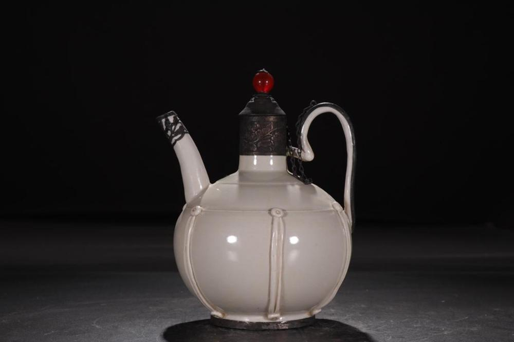 A DINGYAO WINE POT.SONG PERIOD