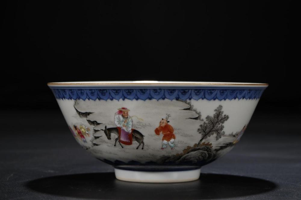 A BLUE AND WHITE FAMILLE-ROSE BOWL.MARK OF QIANLONG