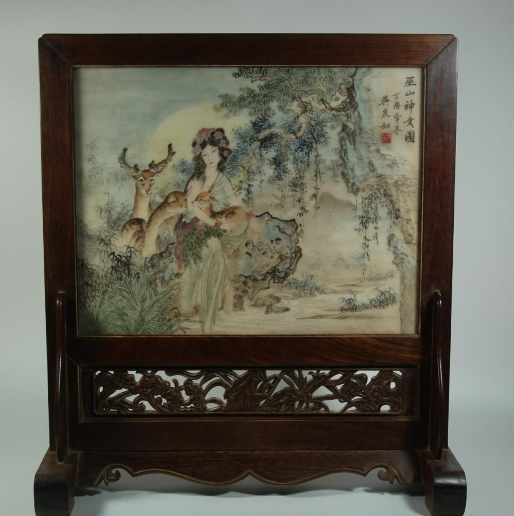 A FAMILLE-ROSE WOOD TABLE SCREEN.ANTIQUE