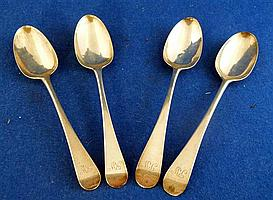 Two pairs of George III silver old English pattern table spoons by Stephen Adams, London 1777 and Thomas Wallis London 1770, 8 ozs