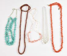 Coral branch necklace, measuring 102 cm in length,