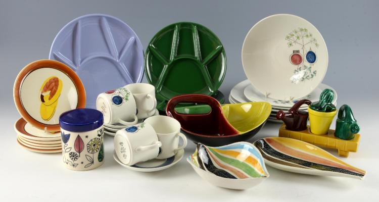 A group of colourful mid 20th C ceramics, includin
