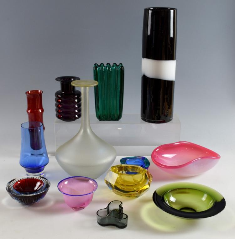 A collection of thirteen mid 20th C coloured glass