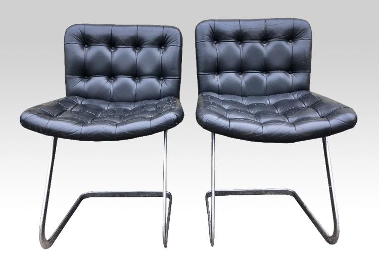 Set of eight chairs, cantilevered design in chrom