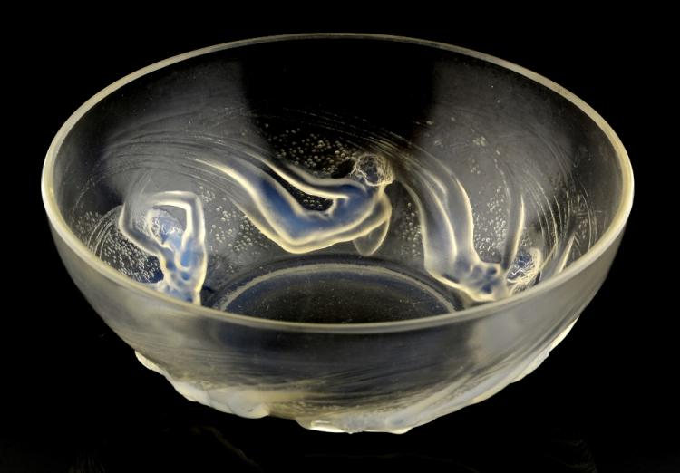 Lalique bowl in Ondine Ouvert, (watersprite) desig