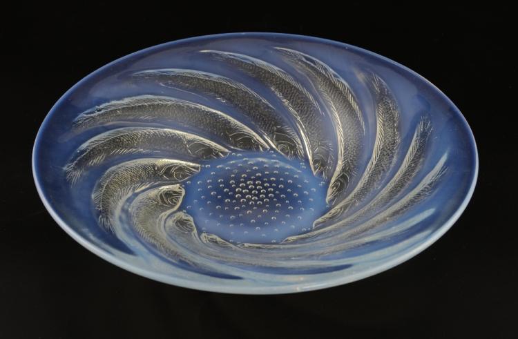 Lalique Poissons, opalescent glass shallow bowl, d
