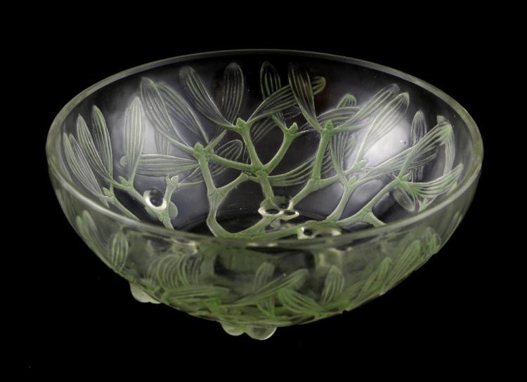 Lalique Gui No 1 pattern, clear glass bowl decorat